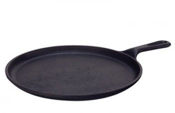 5 must have cast iron pieces for any PREPared kitchen from MomwithaPREP.com