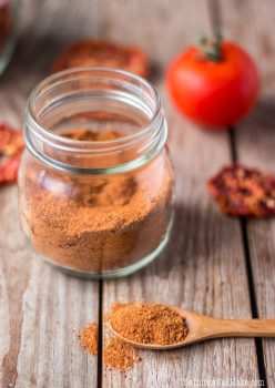 tomato powder in the glass