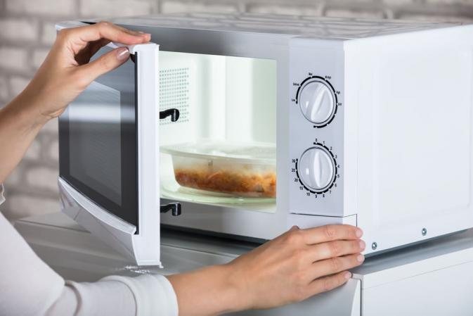using microwave to dehydrate bananas and other fruits